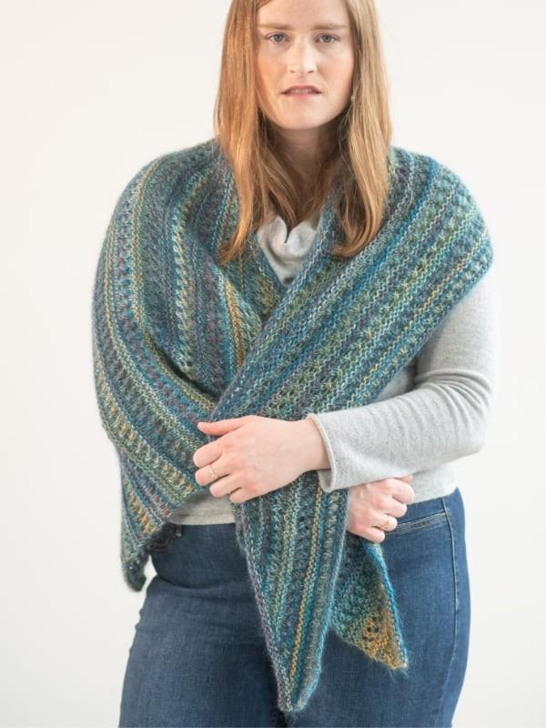 Beautiful and modern shawl Renton. Free knitting pattern.