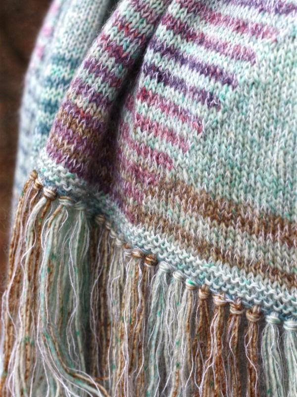 Extra soft and warm scarf Lewiston. Free knitting pattern.