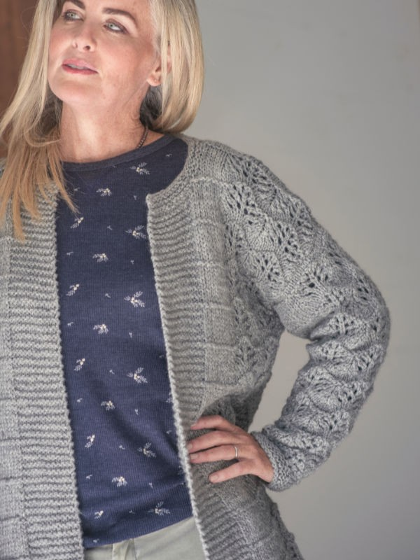 Knit relaxed fit cardigan Marysville. Free lace pattern.