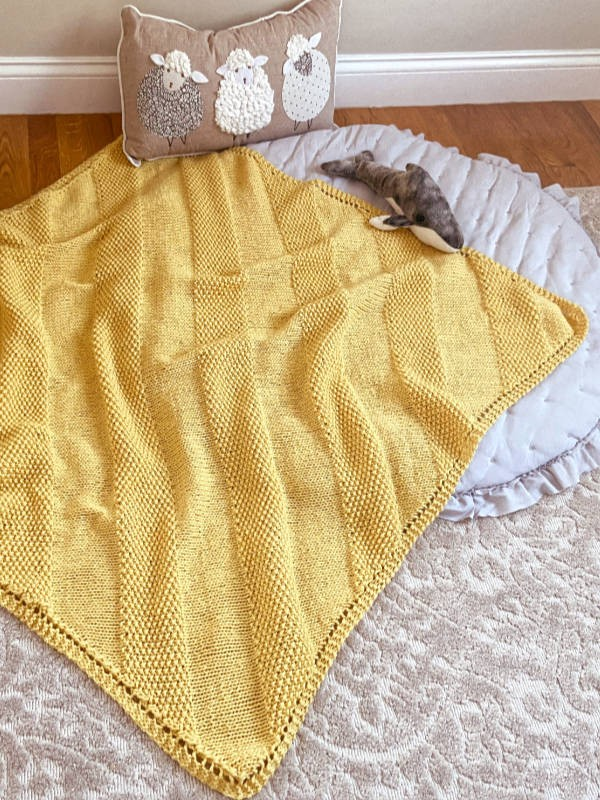Knitted baby blanket Jay. For beginners. Free pattern.