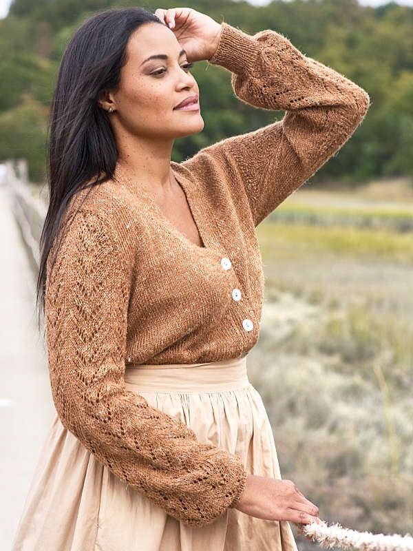 Women's cardigan with lace sleeves Daphne. Knitting pattern.