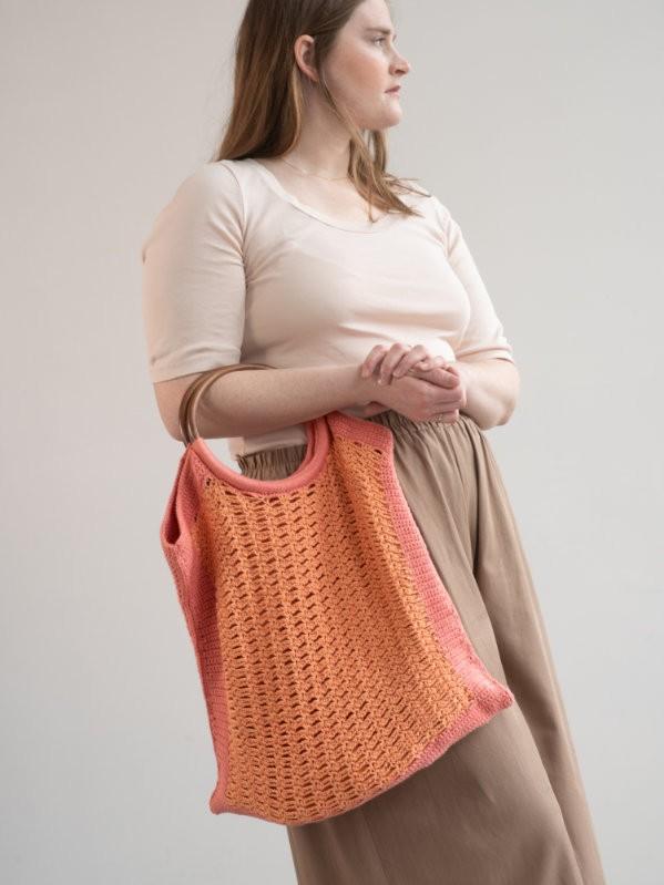 Beautiful bag Komodo. Free crochet pattern.