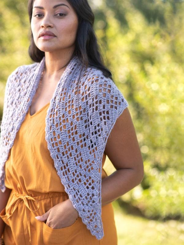 Crochet shawl Amherst. Free downloadable pattern.