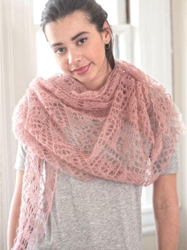 Dreamy shawl Carnation. Free lace knitting pattern.