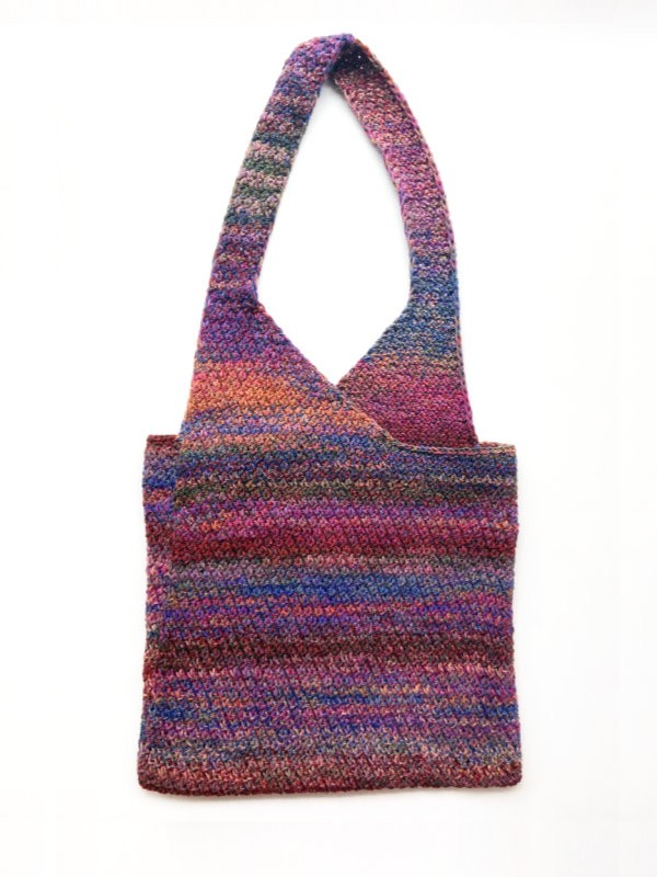 Goshen Bag is a fun and handy bag. Free knitting pattern.