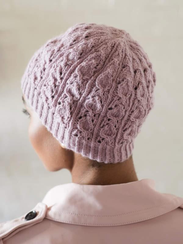 Knit beanie Freshwater. Free written pattern.