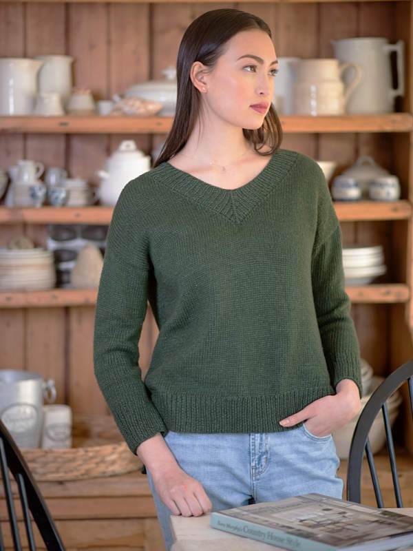 Knit classic sweater Weir. Free pdf pattern.