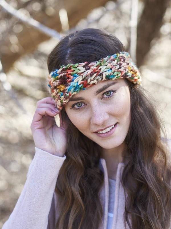Knit cute headband Fresia. Free written pattern.