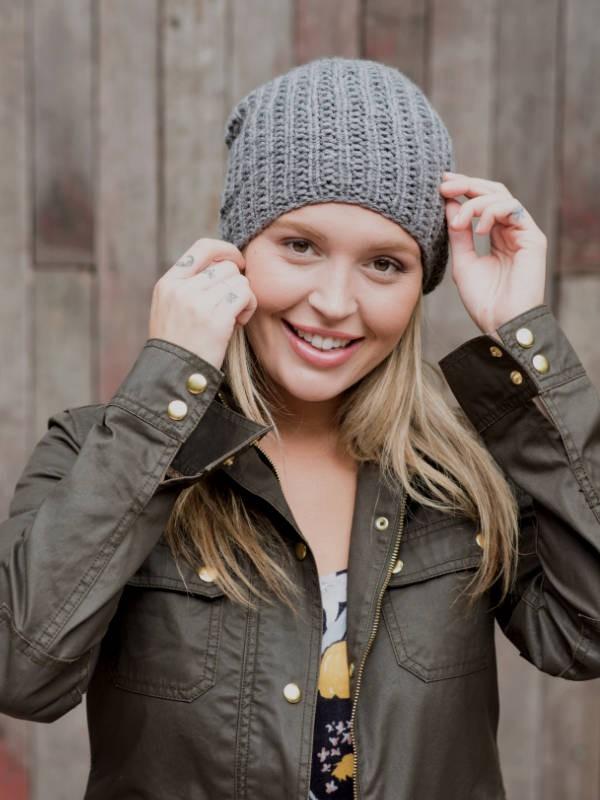 Simple hat Yawl. Free knitting pattern.