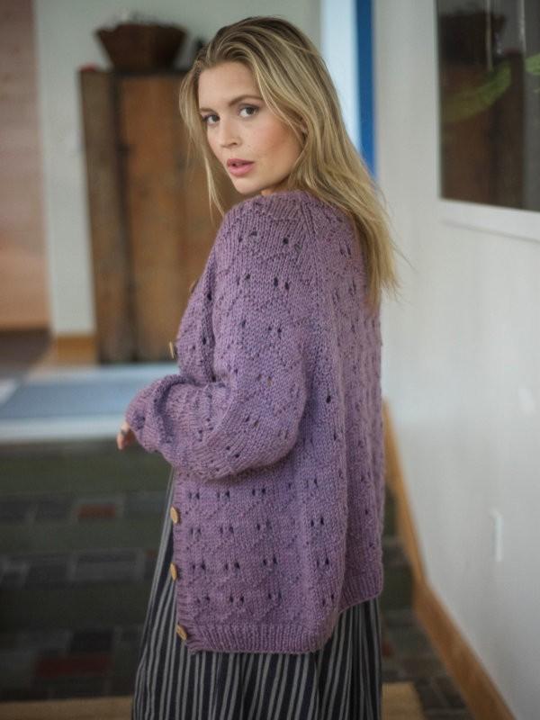 Super cozy cardigan Branchville. Free knitting pattern.