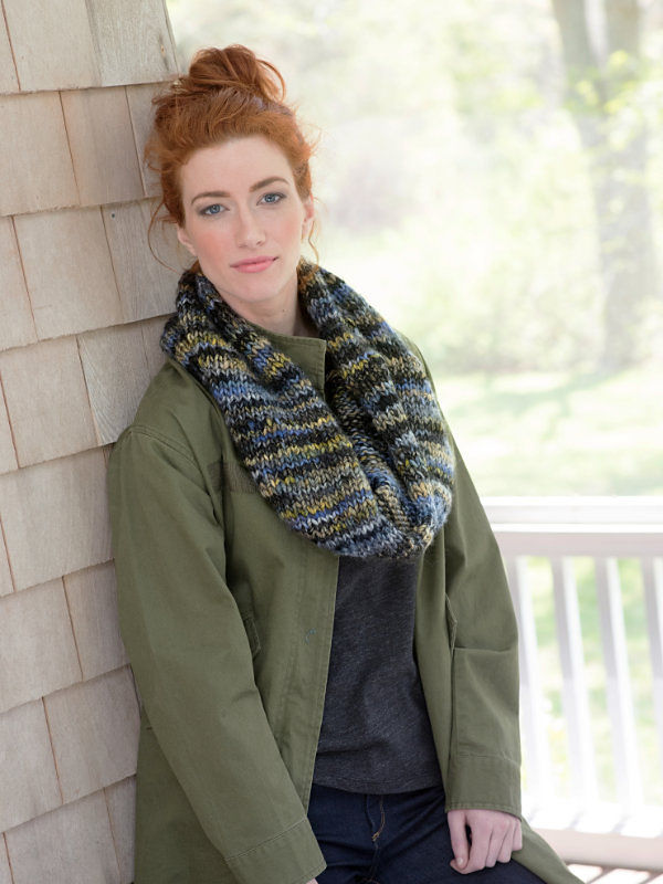 Adults and teen knit cowl Inlet. Free easy pattern.