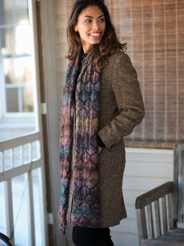 Adults and teens scarf Amaya. Free written pattern (slipped stitches).