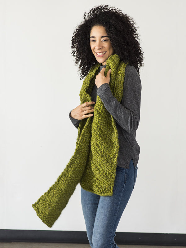 Adults and teens scarf Kallik. Free written pattern (textured).