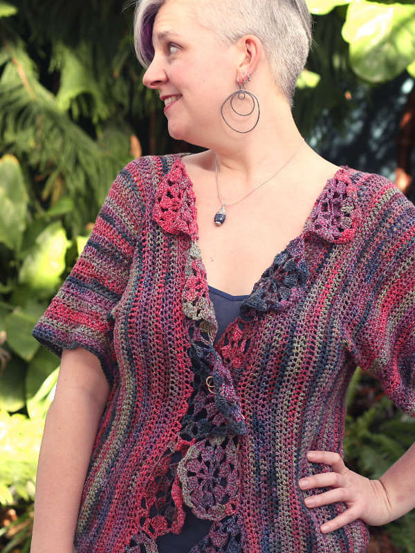 Adults crochet cardigan Maier. Free pattern (3-4 sleeve, granny square).