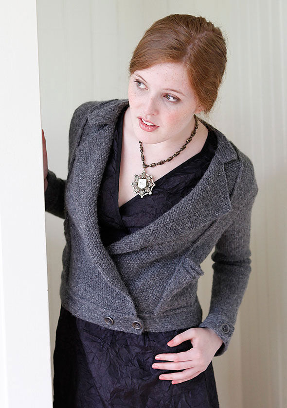 Adults knit cardigan Andre. Free pattern to download (pocket - patch).