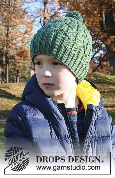 Children's knit hat Green Bird. Written pattern (cables, pompom)