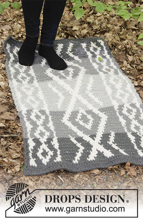 Crochet rug Grey Jacquard. Free pattern (Shapes: rectangle; one piece).