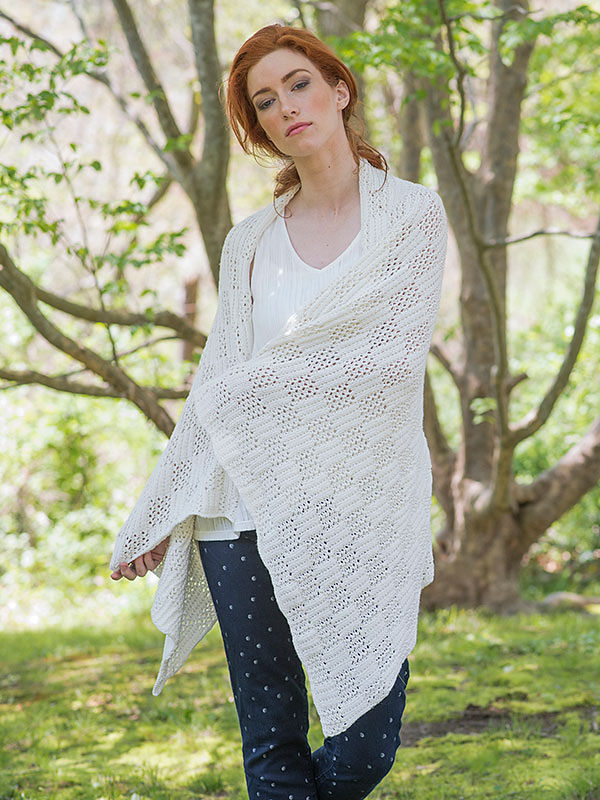 Easy knitted rectangular wrap Marcy. Free pattern (lace).