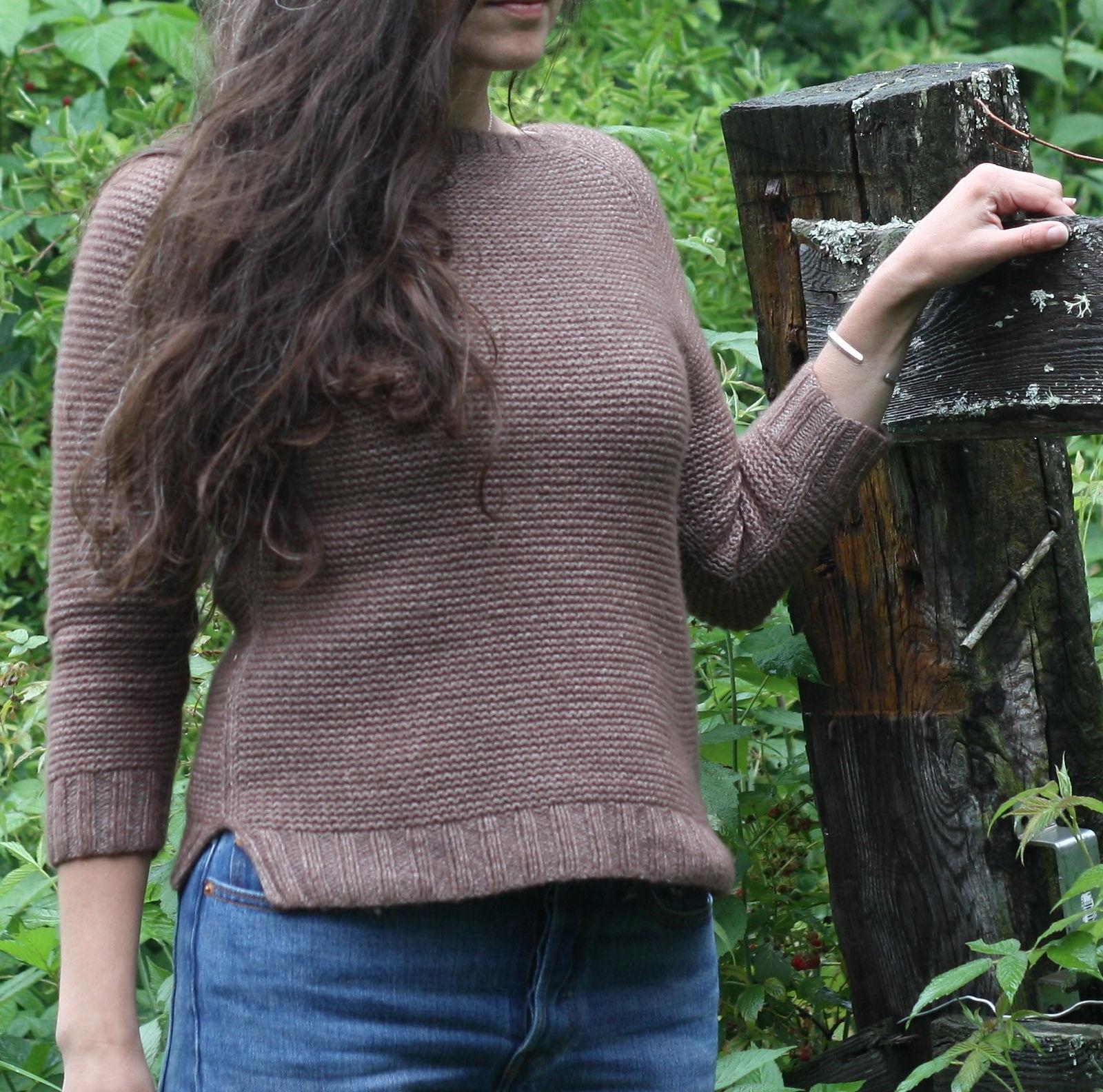 Easy women's raglan pullover Sweetpea. Free knitting pattern. 2