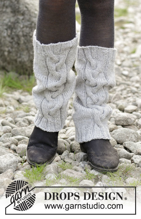 Girls (teen) and women's knit legwarmers Retro Dance. Free pattern.