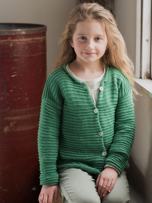 Girls (toddler, children) cardigan Kaylee. Free knitting pattern.