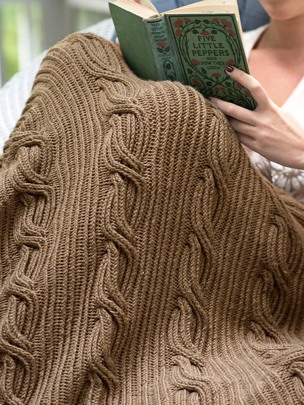 Knit blanket Schuyler. Free pattern (cables, twisted stitches). 2