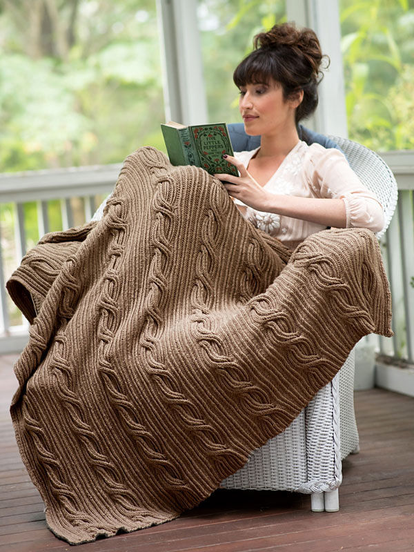 Knit blanket Schuyler. Free pattern (cables, twisted stitches).