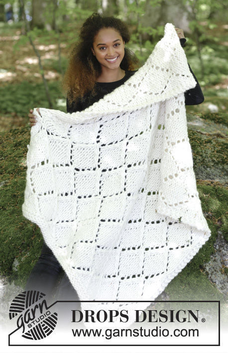 Knit blanket Snow Diamonds. Free pattern (Shapes: rectangle; lace).