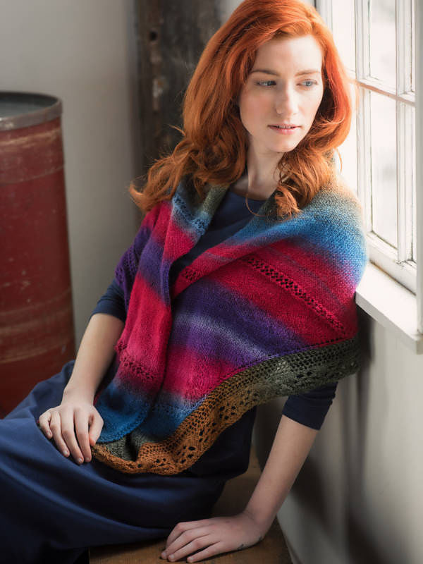 Knit shawl Mardi Gras. Free easy written pattern (triangle shaped).