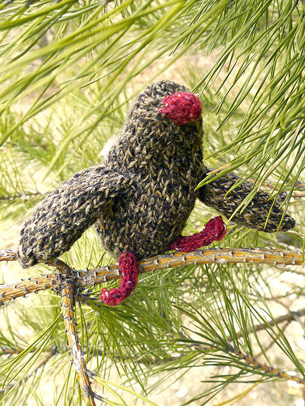 Knit softies animal Partridge Phil. Free downloadable pattern (written pattern).