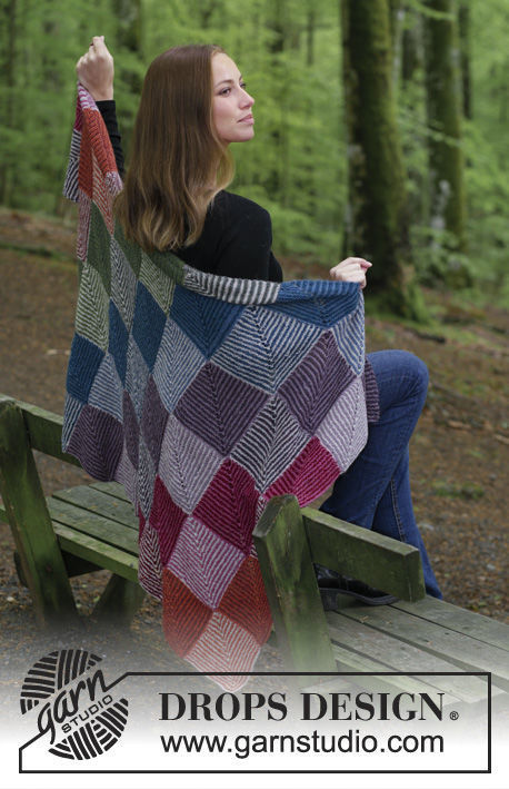 Knit throw blanket Autumn Nights. Free pattern (stripes colorwork).
