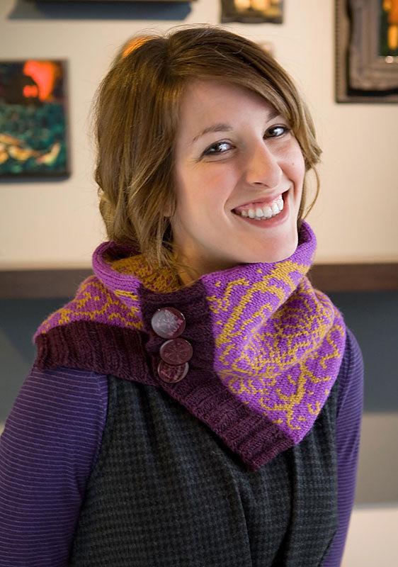 Knit Winterfloral Cowl. Free downloadable pattern (chart, video tutorial, written pattern).
