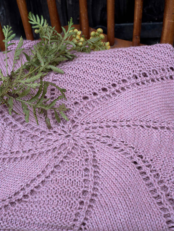 Knitted baby blanket Damariscove. 3