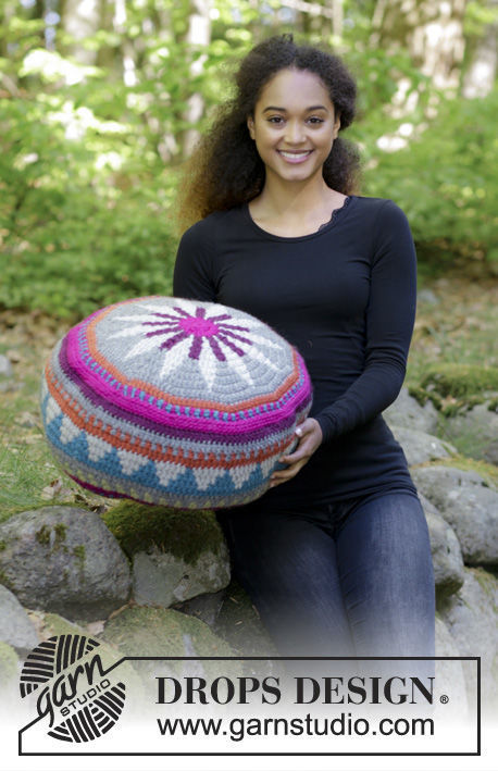Pillow Marrakesh. Free crochet pattern (Colorwork: stranded, stripes colorwork).