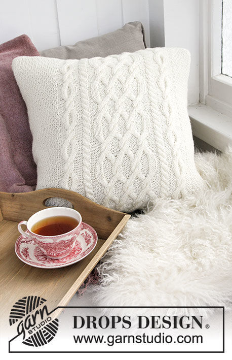 Pillow Polar Days. Free knitting pattern.
