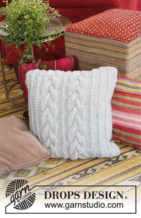 Pillow Winter Snuggle. Free knitting pattern (Shapes: square).