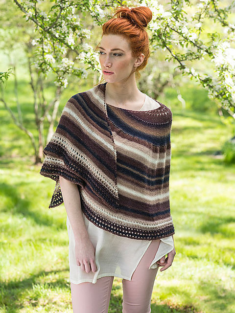 Semi-circular wrap Omega. Free knitting pattern.