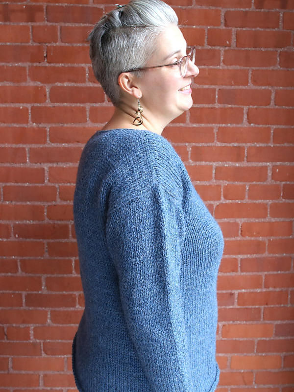 Simple women's sweater Brynnlee. Free knitting pattern.