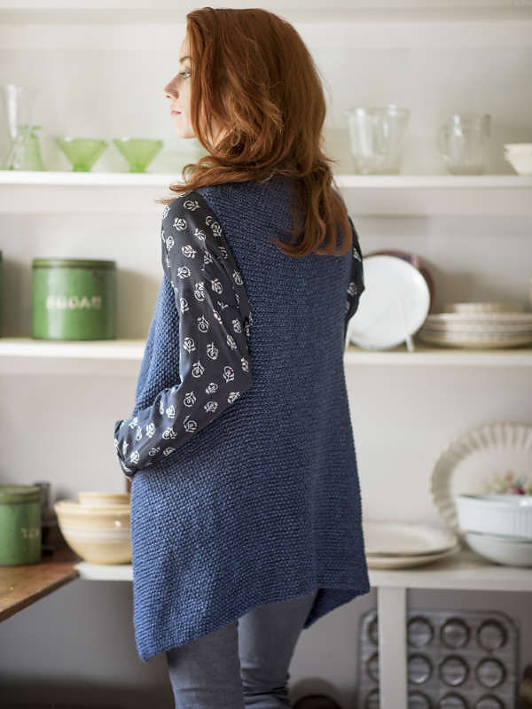 Simple women's vest Channel. Knitting pattern.