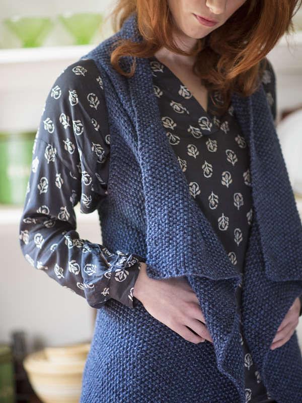 Simple women's vest Channel. Knitting pattern. 3
