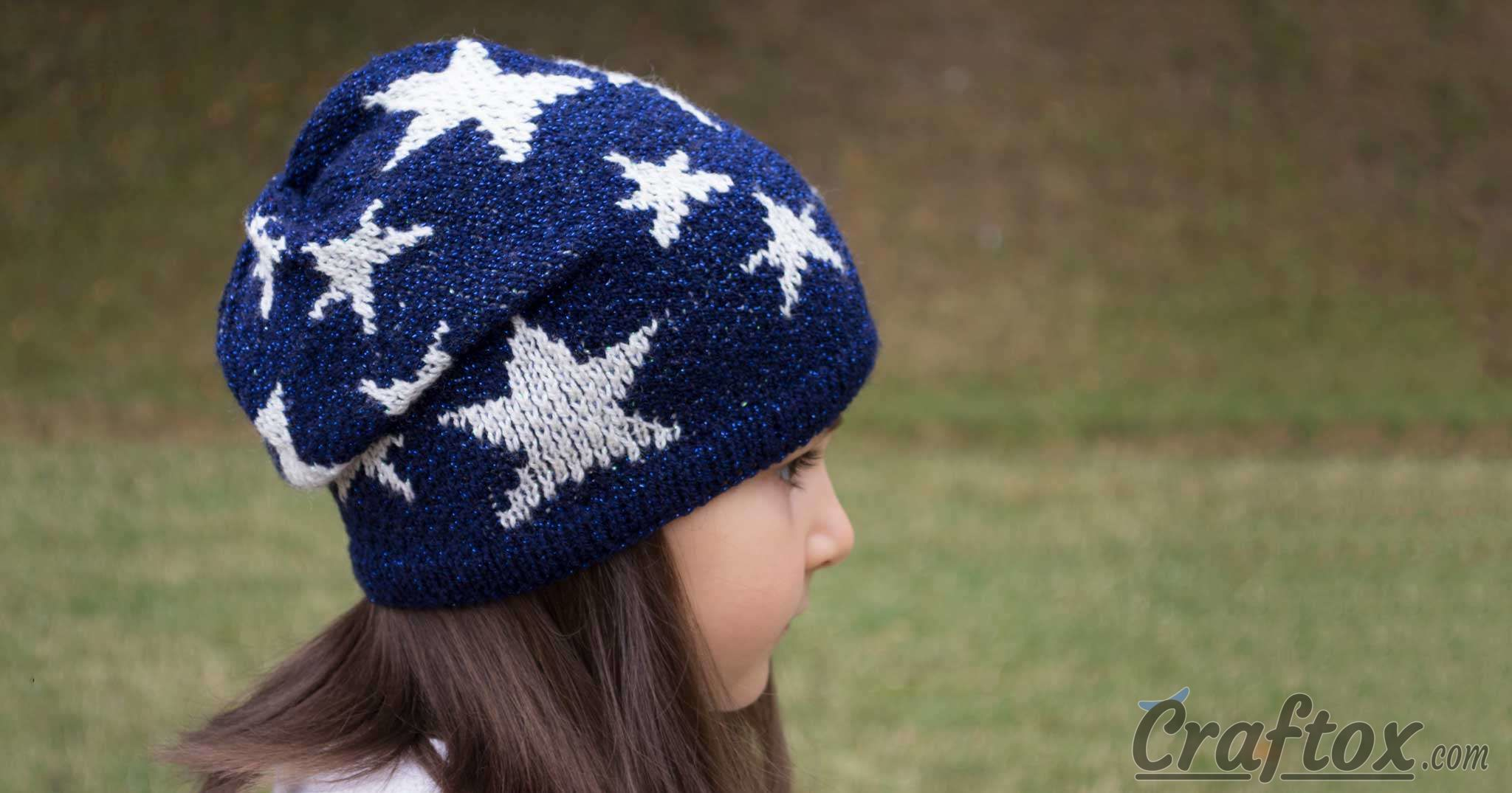 Slouchy beanie with stars. Free jacquard knitting pattern