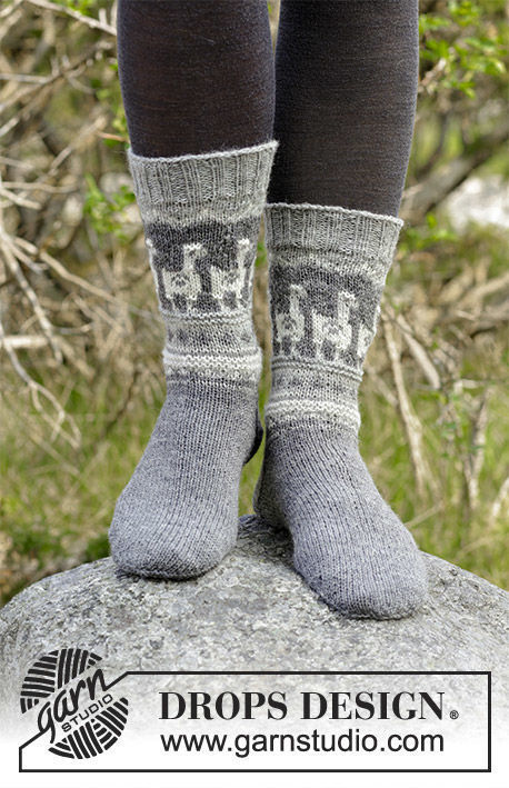 Unisex dutch heel (toe wide) Andean Caravan Socks. Free knitting pattern.