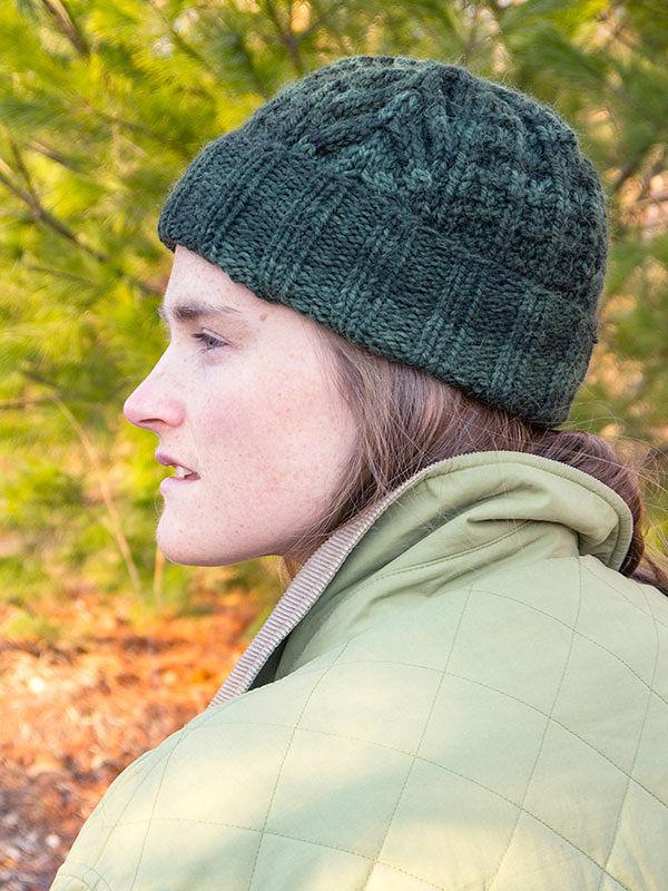 Unisex knit beanie Weisshorn. Free download pattern.