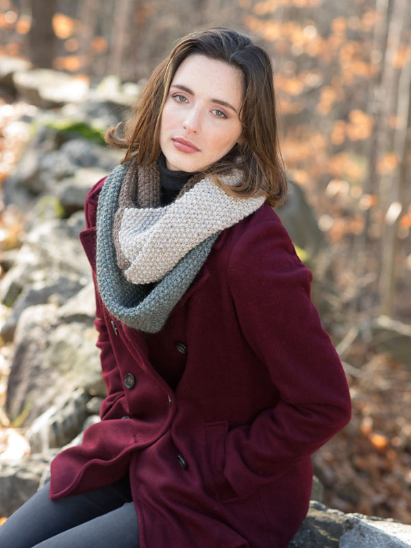 Unisex knit cowl Rosemary. Free written pattern (colorwork stripes).