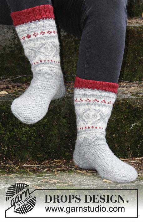 Unisex knit dutch heel (socks mid calf, toe wide) Narvik Socks. Free pattern.