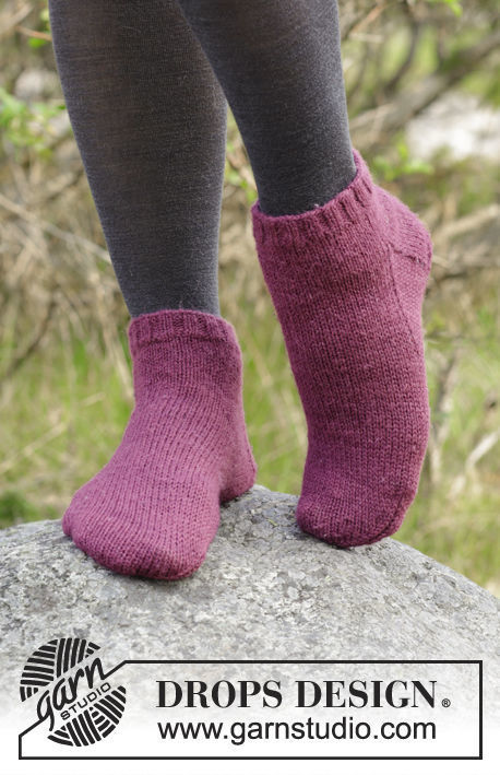 Unisex knit dutch heel (toe wide) Toasty Toes. Free easy pattern.