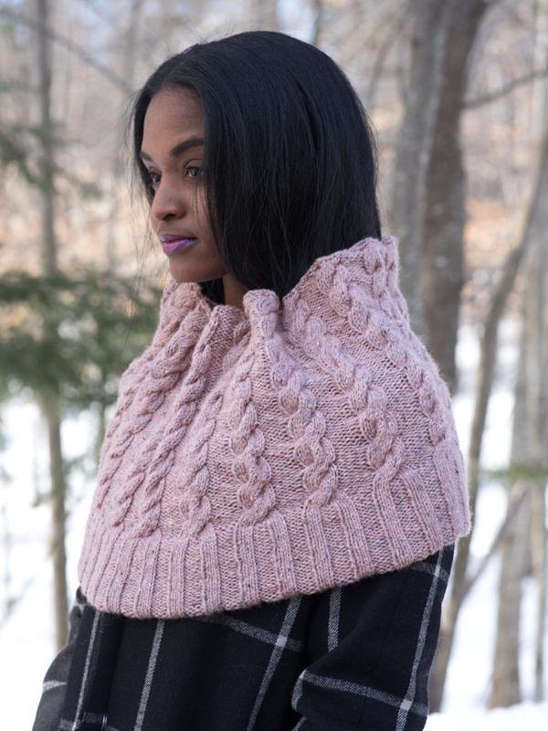Women's cable cowl Josie. Free knitting pattern.