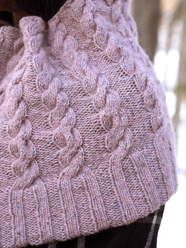 Women's cable cowl Josie. Free knitting pattern. 3