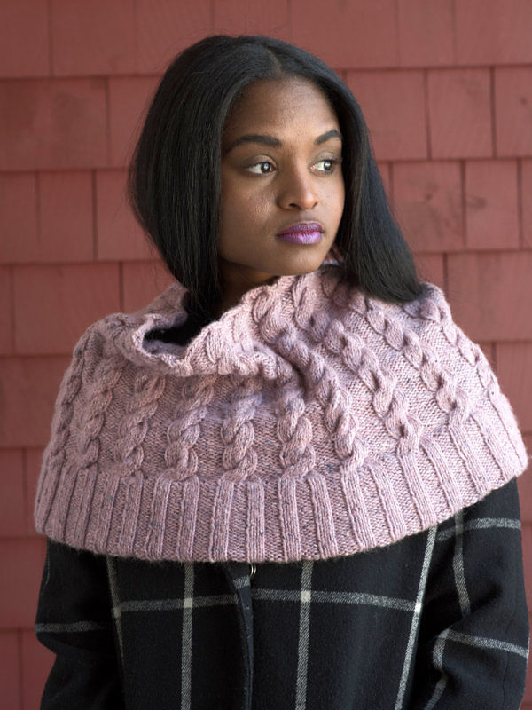 Women's cable cowl Josie. Free knitting pattern.