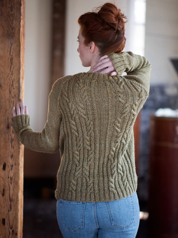 Women's cardigan Arya. Free knitting pattern (cables). 2
